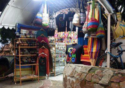 Cali Colombia: Artisan shop at Loma de la Cruz