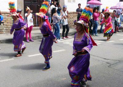 Fiesta de Reyes: long skirts and tall hats